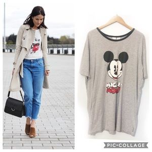 Disney Classic Gray Oversized Mickey Mouse Tee